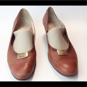 Ferragamo Brown soft leather pumps
